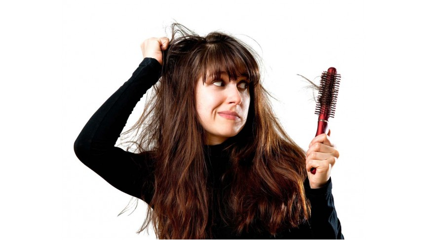 Come prevenire la caduta dei capelli nei mesi post estivi